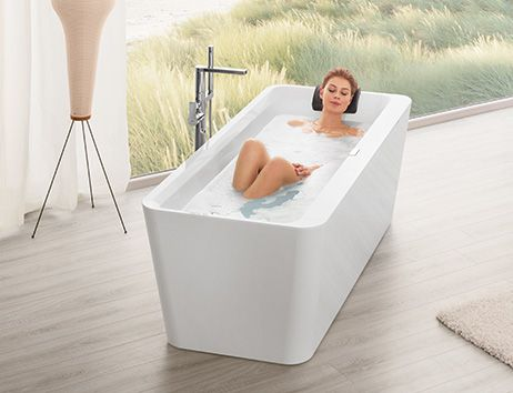 grote badkamer stijlvol vormgeven villeroy boch. Black Bedroom Furniture Sets. Home Design Ideas