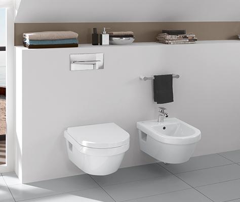 badkamer met schuin dakgedeelte ruimte slim benutten villeroy boch. Black Bedroom Furniture Sets. Home Design Ideas