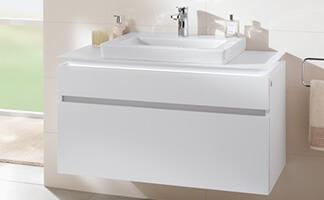 Badkamer met schuin dakgedeelte - Ruimte slim benutten - Villeroy & Boch