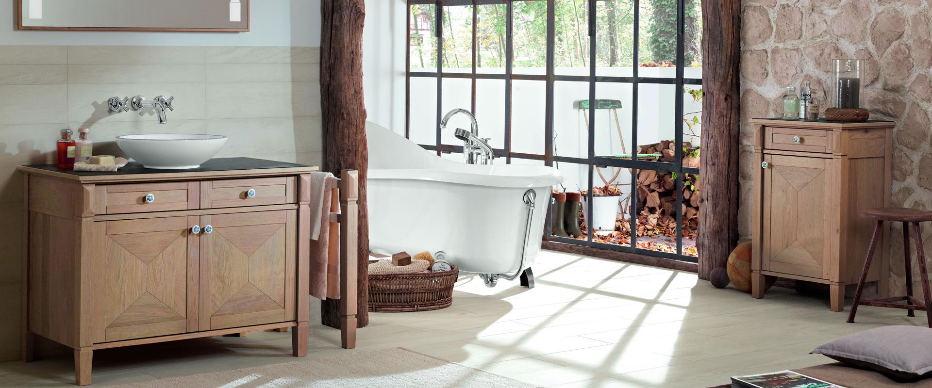 Badmeubels van hout – onderhoud van uw hoogwaardige houten meubels.